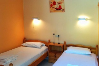 accommodation-faros-studios-room