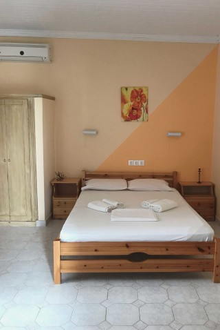 studios faros lefkada cozy bedroom